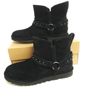 New UGG Ailiyah Boots Size 9
